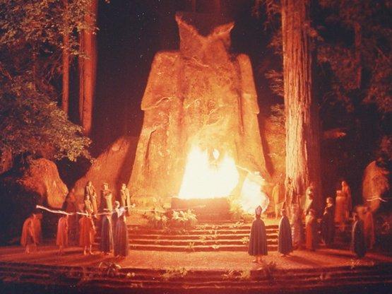 Untreue durch Anbetung fremder Götter